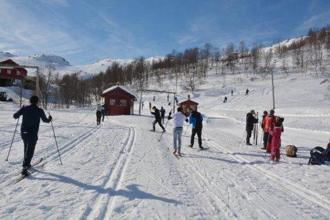 Frå då Vaksenopplæringa hadde skidag i mars. (Arkivfoto).