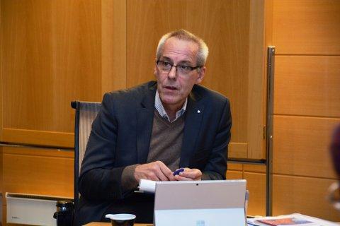 Rådmann Odd Ivar Øvregård er på juleferie når kommunestyret skal behandla budsjett og økonomiplan. (Arkivfoto).