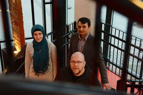 Ekteparet Rumisa Karimova (t.v.) og Adam Weiman har laga film nummer to. Denne gongen handlar den om flyktningane frå Syria. Karl Petter Vårdal har montert filmen.