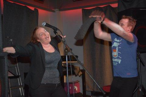 Karianne Solheim og Nils Trygve Markhus fekk saman med Ørjan Bakke latterkulene til å rulla i restaurantlokala til 5460.
