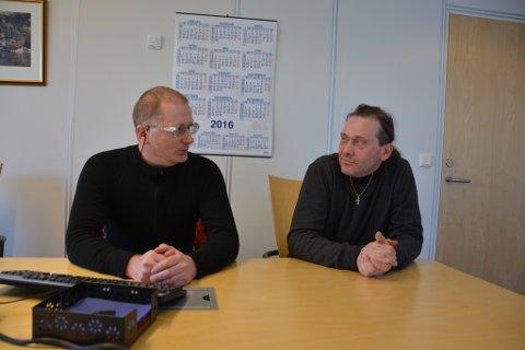Tor Thorsen og Jonny Aarsrud i Kvinnherad LO ser ikkje med milde auge på at fleire og fleire bedrifter tilsett folk i midlertidige oppdrag i staden for å tilby faste tilsetjingar.
