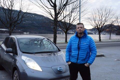 – Det er ein heilt oppegåande bil for kven som helst, seier Morten Vevatne om elbilen sin.