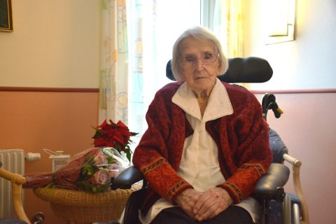 Valborg Eide Mo fylte 100 år onsdag. Mange var innom med blomar for å gratulera jubilanten.