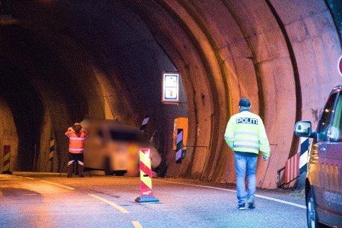 Ein 23 år gammal mann omkom i ulukka i Stussvikhovdatunnelen i slutten av november. Foto: Ingunn Gjærde / Bladet Tysnes.