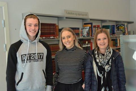 Christian Fjelland (f.v.), Laura Wehser og Marianne Dale er einige om at det er ein fordel å ha ein sommarjobb innan det feltet ein har lyst å jobba med i framtida.