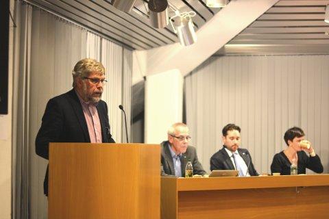 Det vart ein stor dag for Otto Benjaminson (Krf) etter at kommunestyre har vedteke å bidra med over 12 millionar kroner for å finansiera utvidinga av Kobbebukta fiskerihamn.
