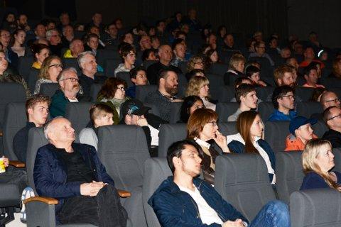 223 personar lét seg fascinera av verdsrommet og det Sannes og Ødegaard fortalde i Kulturhuset Husnes tysdag kveld.