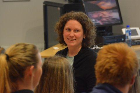 Mari-Kristine Morberg hadde møte med både elevar og lærarar på KVV sist måndag.