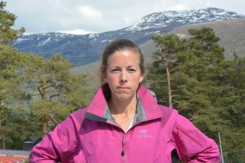 Mari Teigen Varanes i Kvinnherad turlag meiner det er heilt feil å rasera Bremstølsvatnet og Hellandselva for å bygga ut småkraftverk.