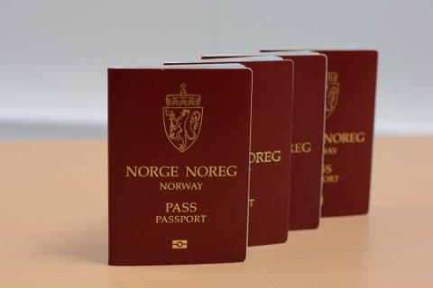 Lensmann Sigurd Børve synest det er beklageleg at Kvinnherad no mistar høve til å skriva ut pass. (Arkivfoto).
