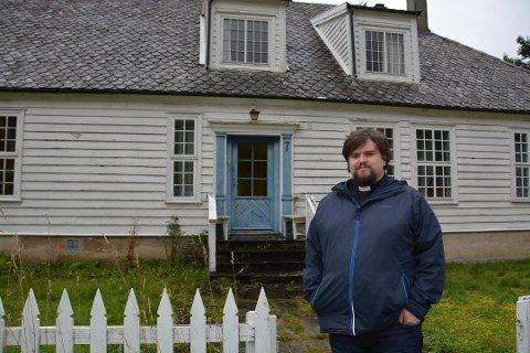 Sokneprest Kjetil Kringlebotten sluttar i jobben i oktober, og drar til England for å studera teologi. (Arkivfoto).