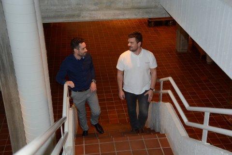 Ordførar Peder Sjo Slettebø (t.v.) og Hans Inge Myrvold ønsker møte med fylket for å diskutera Fjelbergsambandet. (Arkivfoto).