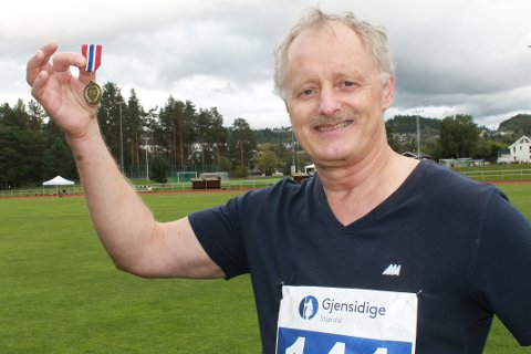 TIL TOPPS: Det blei to gullmedaljar på Odd Keilen i veteran-NM i friidrett i helga. Rosendal-utøvaren hamla til og med opp med ein europameister.