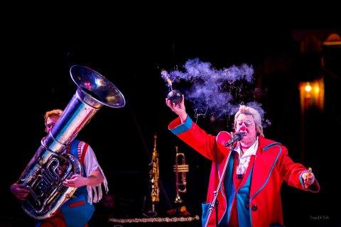 CIRKUS: Søndag kan du oppleva mange spennande cirkus-artistar i Uskedalen. (Pressefoto).