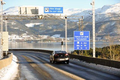 SVAK NEDGANG: 2018 var truleg det første året Halsnøysambandet ikkje opplevde reell vekst i trafikken. Nedgangen i 2011 skuldast tekniske feil.