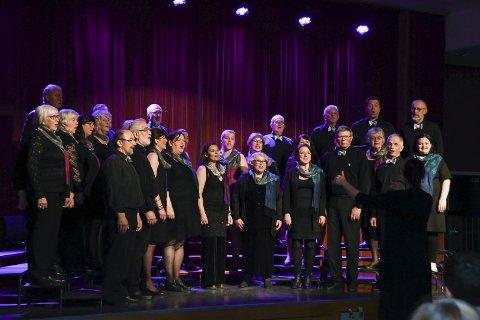 Korsong: Røysterett for alle fotografert under jubileumskonserten i fjor då koret runda 30 år.arkiv