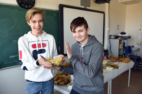 POPULÆR: Eggerøra til Konrad Skarveland (t.v.) og Steffen Dalen var bortevekk berre 10 minutt inn i påskelunsjen.