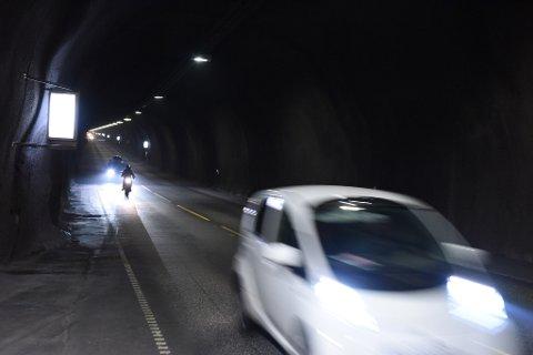 Inntektene i Halsnøytunnelen er for låge til å nå målet om å vera nedbetalt innan mars 2023. (Arkivfoto).
