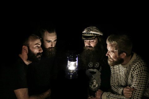 Tjue kilo skjegg er eit ramsalt band med maritimt preg. (Foto: Steffen Morris).