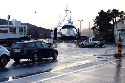 Tysdag ettermiddag vert det folkeaksjon for trafikktryggleik ved Gjermundshamn ferjekai. – Vi vil ha trygg skuleveg for borna, seier Annike Nistad i Trafikksikringsgruppa på Hatlestrand. (Arkivfoto).