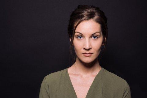 Brit Johanne Eide Landa frå Halsnøy har landa rolle i teaterstykket «The End of Sex». (Pressefoto).