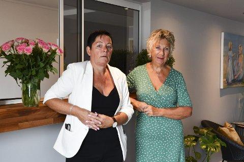 Hotellvert Tone Miljeteig og hotelleigar Elin Stene under opningsdagen i august i fjor.