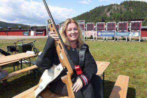 IMPONERTE: Denne dama trener omtrent ikkje, men har definitivt skytinga i blodet. På LS vart Camilla Djuvsland, Vareld skyttarlag, nummer fire av nesten 200 skyttarar i klasse 1.