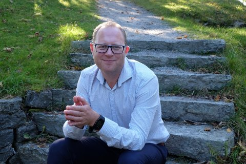 Tomas Bruvik har fått toppjobben som generalsekretær i Landslaget for lokalaviser.