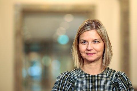 Kunnskapsminister Guri Melby (V) forlengjer unntaket frå fråværsreglane ut skuleåret. Arkivfoto: Jil Yngland / NTB / NPK.