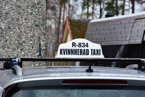 EINERÅDANDE: Det ser ikkje ut for at drosjane i Kvinnherad får meir konkurranse med det første. Etter at eit nytt og friare drosjeregelverk blei innført frå 1. november, er det nemleg ikkje kome inn ein einaste søknad om nye drosjeløyve i Kvinnherad. (Arkivfoto)