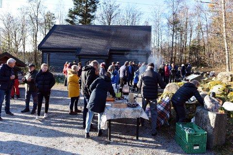 DINOSAURHUS: Fleirbrukshuset i Steinparken i Rosendal kosta over 4 millionar kroner. Her frå opningsmarkeringa. (Arkivfoto)