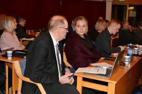 Kvinnherad Frp, her representert ved Thorleif J. Hellesøy og Ellinor Rein, vil jobba for idrettslinje ved KVV.