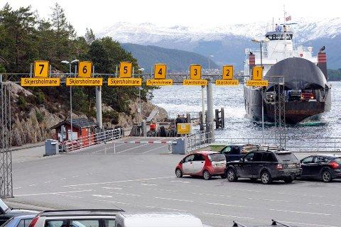 Næringslivet i Hordaland er uroa for høge ferjeprisar og ber Vestland fylkeskommune om å reversera ferjeprisane. (Illustrasjonsfoto frå arkivet.)