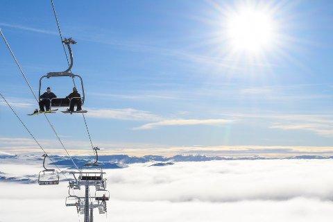 ÅPNER IGJEN: Etter flere uker stengt på grunn av koronaviruset, åpner Hovden Alpinsenter igjen på mandag.