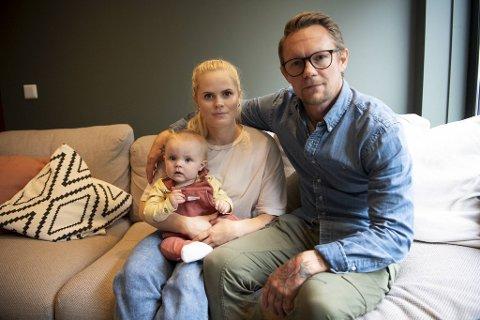 Gerny Olin Teigen og samboer Magne Nilsen ble i fjor foreldre til Tidemann (10 mnd). – Behovet for sykepleiere er større enn noen gang, og jeg skjønner ikke hvorfor høgskolen har avslått søknaden min. I Bergen kan Tidemann fortsette i barnehagen og det trengs ingen tilpasninger, ser hun.