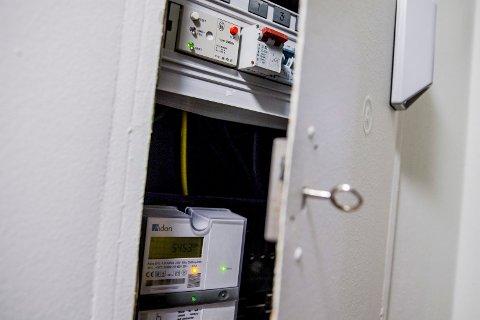 0,4 prosent av kundene til Haugaland Kraft Nett har ikke installert smart strømmåler.