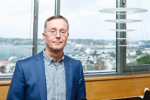 VENT!: Administrerende direktør Olav Klausen i Helse Fonna ber folk om å vente med besøket.