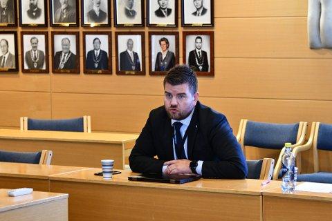 Ordførar Hans Inge Myrvold håpar å lokka Statsforvaltaren på besøk. Slik at ein saman kan sjå på området i Hattebergsdalen.