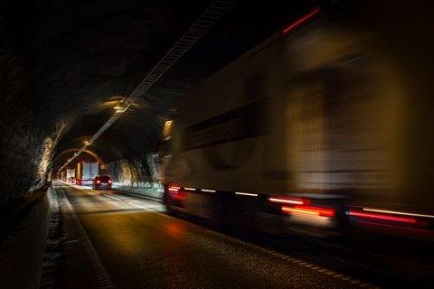 NY TUNNEL: Hovedgrepet blir å bygge en ny tunnel på ca. 12,7 km fra Røldal til Seljestad.
