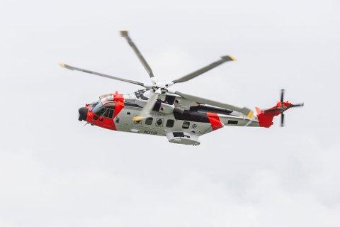 Mange fekk med seg at eit redningshelikopter sirkla over Omvikdalen laurdag, men det var altså ikkje snakk om ein redningsaksjon.