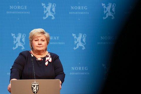 Statsminister Erna Solberg under ein pressekonferansen om koronasituasjonen.