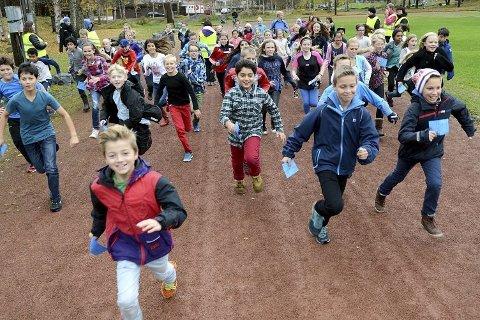 Nå skal elever igjen løpe for Unicef. Her fra Skavanger skole i 2014.