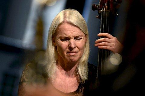 BASSIST: Jazz Evidence byr på konsert med Asmundsen & Co. på Mølla onsdag.