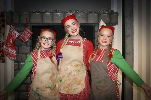 I kostyme: Sunniva, Ingrid og Hedvig er er klare for innsats i julemusikalen.