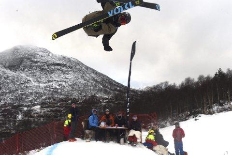 FJERDEPLASS: Trym Sunde Andreassen ble fjerdemann i juniorklassen i lørdagens norgescup i big air på Hovden.alle foto: ole john Hostvedt