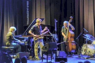 Kommer tilbake: Kvartetten består av Helge Lien, Tommy Smith, Arild Andersen og Paolo Vinaccia.
