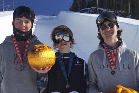 KFK-SUKSESS: Henning Hansen Pytte (t, v,), Tevje Skaug og Trym Sunde Andreassen.foto:  privat