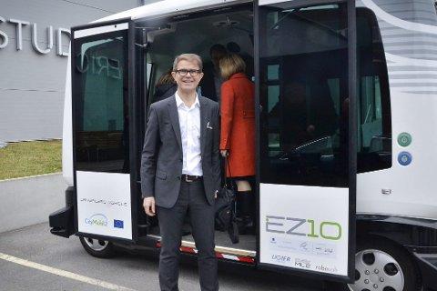 Neste torsdag og fredag kan publikum teste en såkalt førerløs buss på kirketorget.