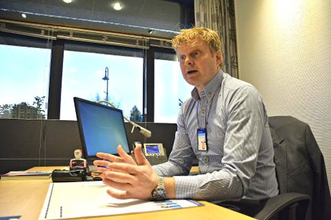 Torstein Aakre, banksjef for Sparebank1 BV på Kongsberg, sier de lokale kundene ikke vil merke sammenslåingen.