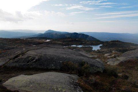 SKOG: Utsikt fra Styggemann, høyeste topp på Skrim. Sørover ser man til både Vestfold og Telemark. Nabokommunen Siljan ønsker å innlemme en del av området sør for Skrim i sitt kommunekart.